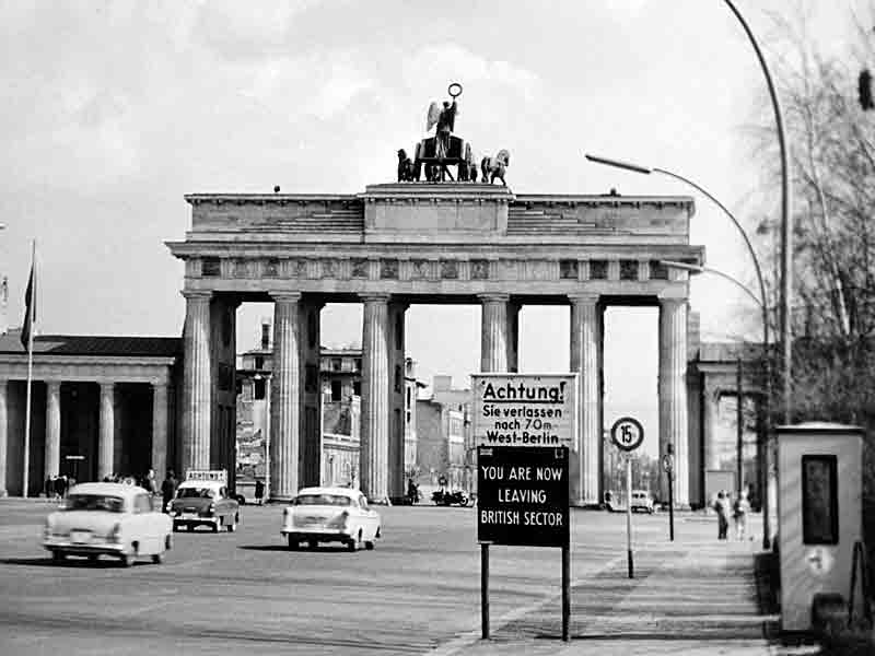 Bildresultat för berlin 1955 brandenburger tor